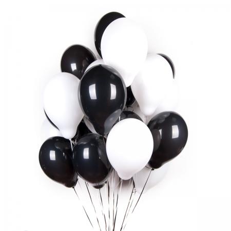 15 шаров (черные+белые)