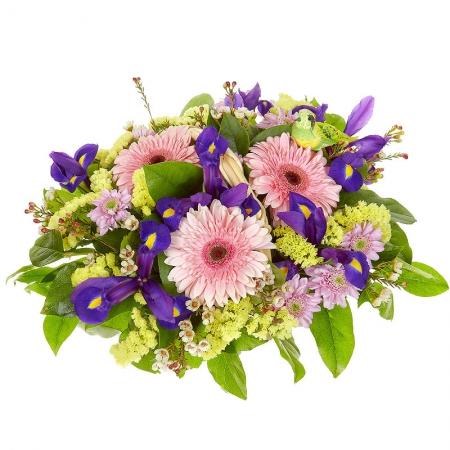 Цветы в корзине Чувственная атмосфера