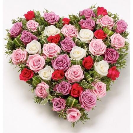 Сердце из цветов Пестрая поляна