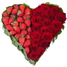 Сердце из цветов Клубничный рай