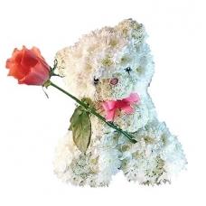 Игрушка из цветов Мишка с розочкой