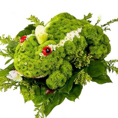 Игрушка из цветов Царевна лягушка